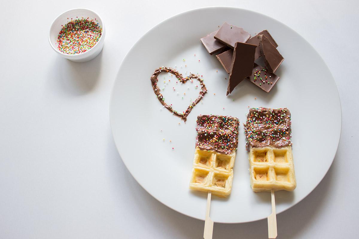 Wafels met chocolade dip